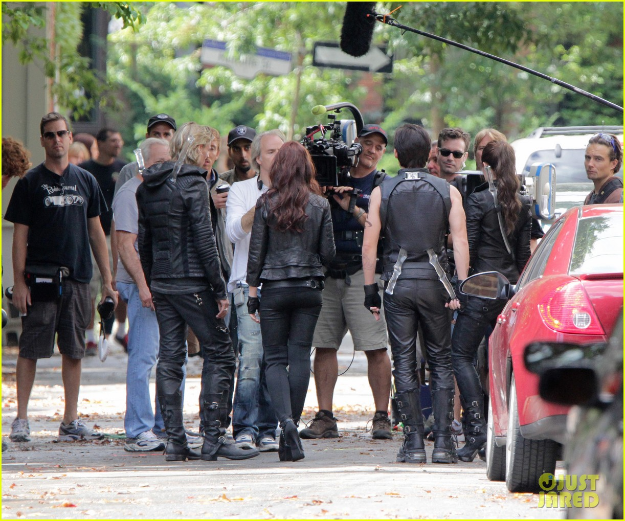 lily collins jamie campbell bower mortal instruments set 13