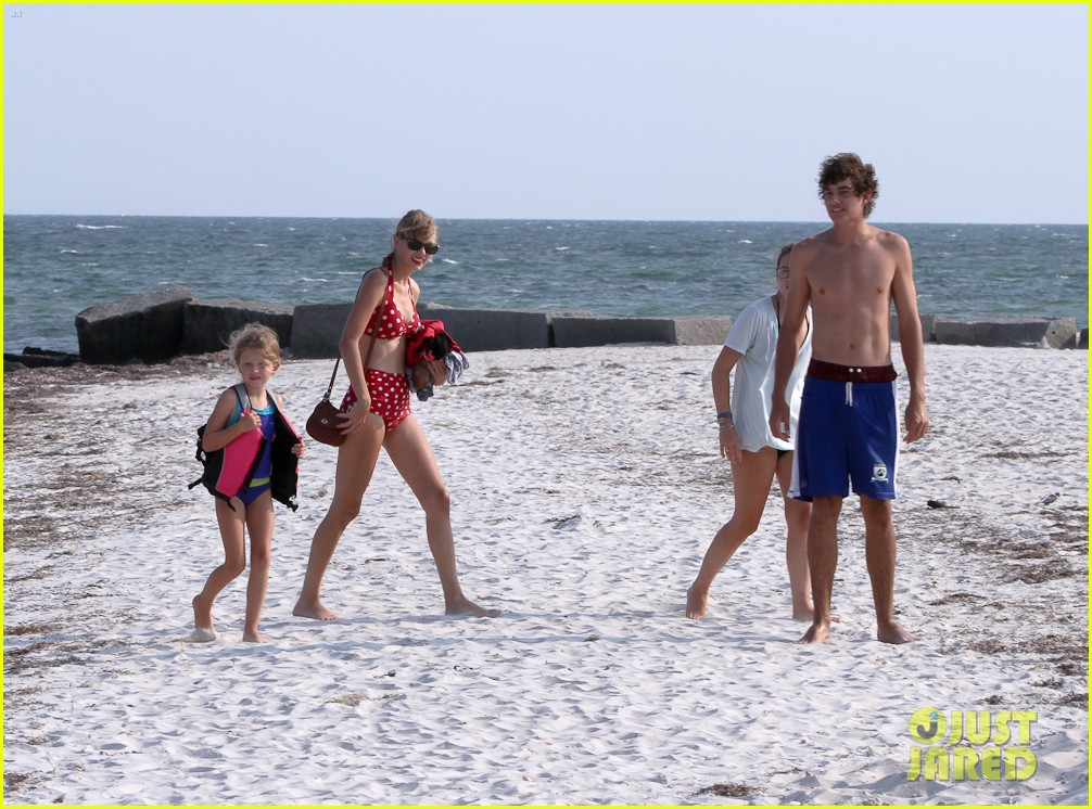 taylor swift bikini conor kennedy shirtless 21