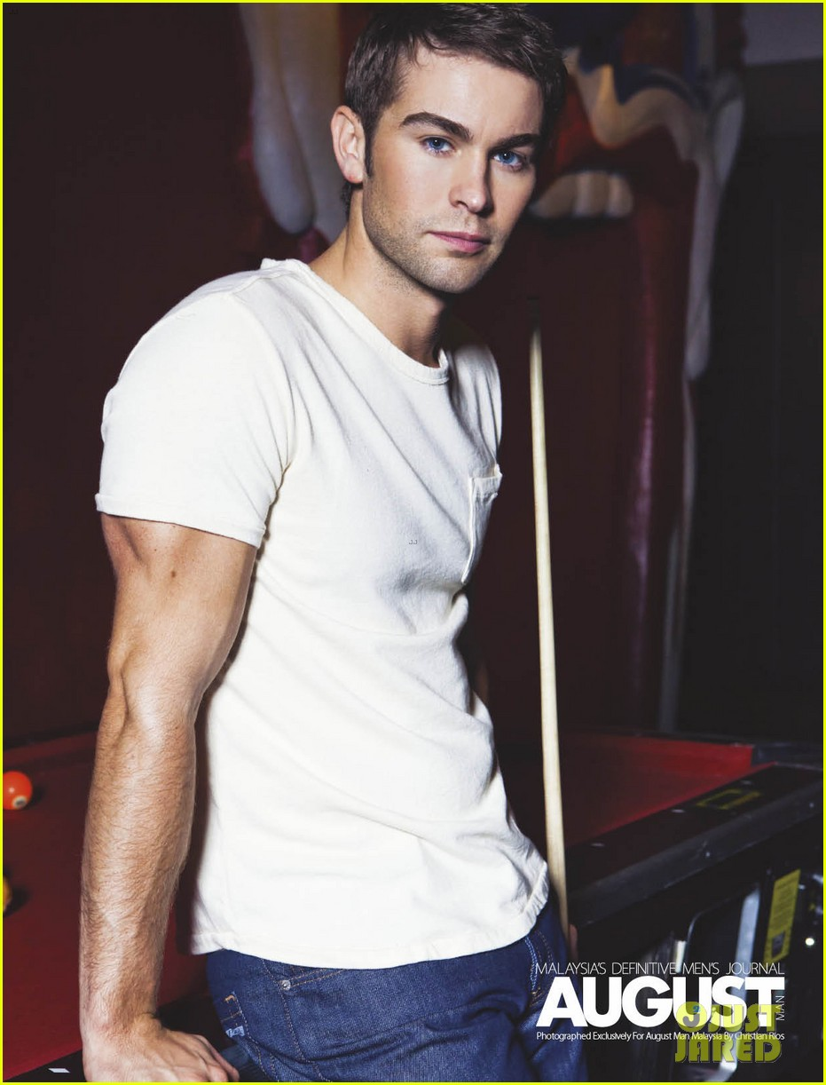 chace crawford buff biceps for august man magazine exclusive 03