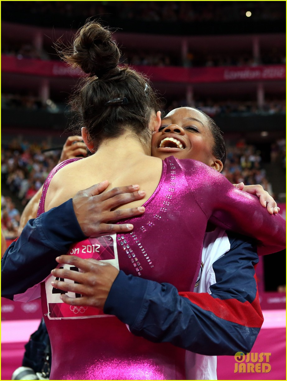 gabrielle douglas olympic gold medal gymnastics 08