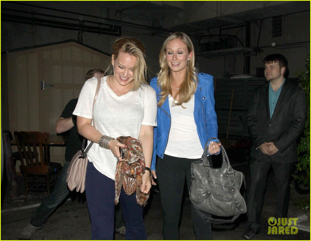 hilary duff girls night at inc 06