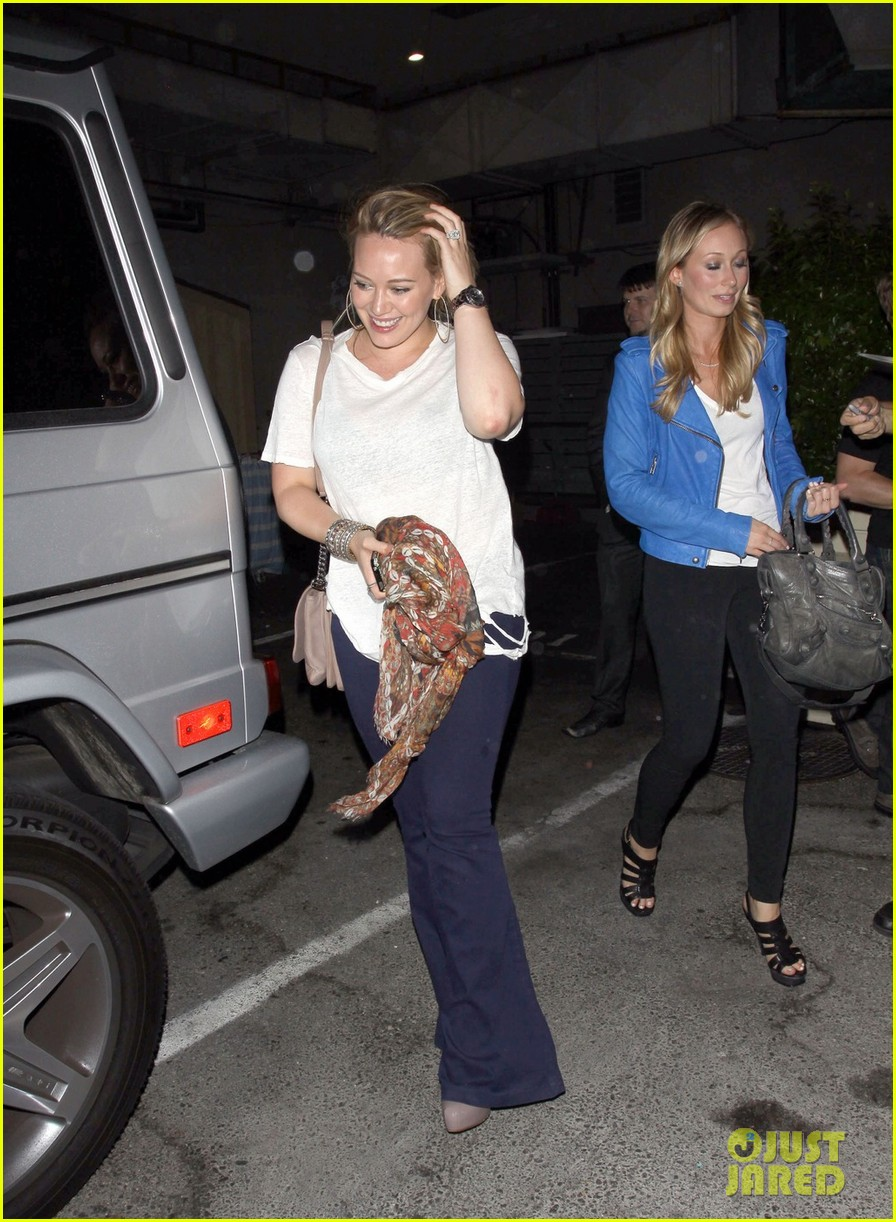 hilary duff girls night at inc 09