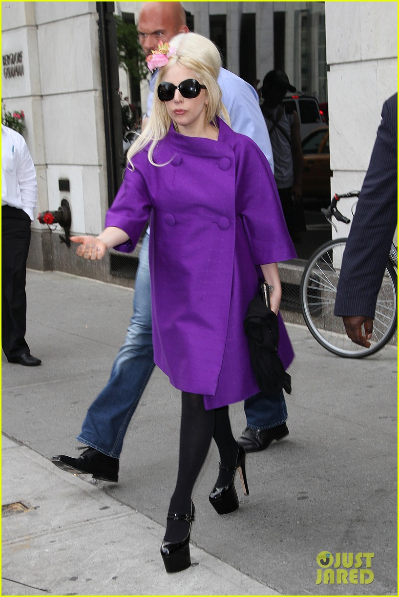 lady gaga madison avenue shopping 01