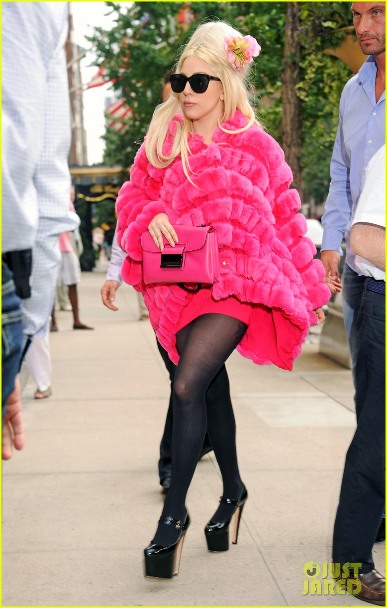lady gaga madison avenue shopping 04