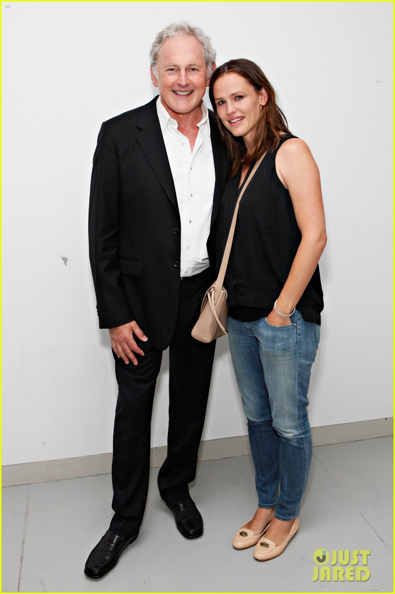 jennifer garner victor garber alias reunion in nyc 052702075