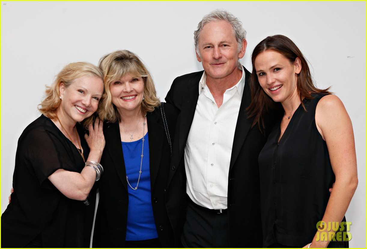 jennifer garner victor garber alias reunion in nyc 17