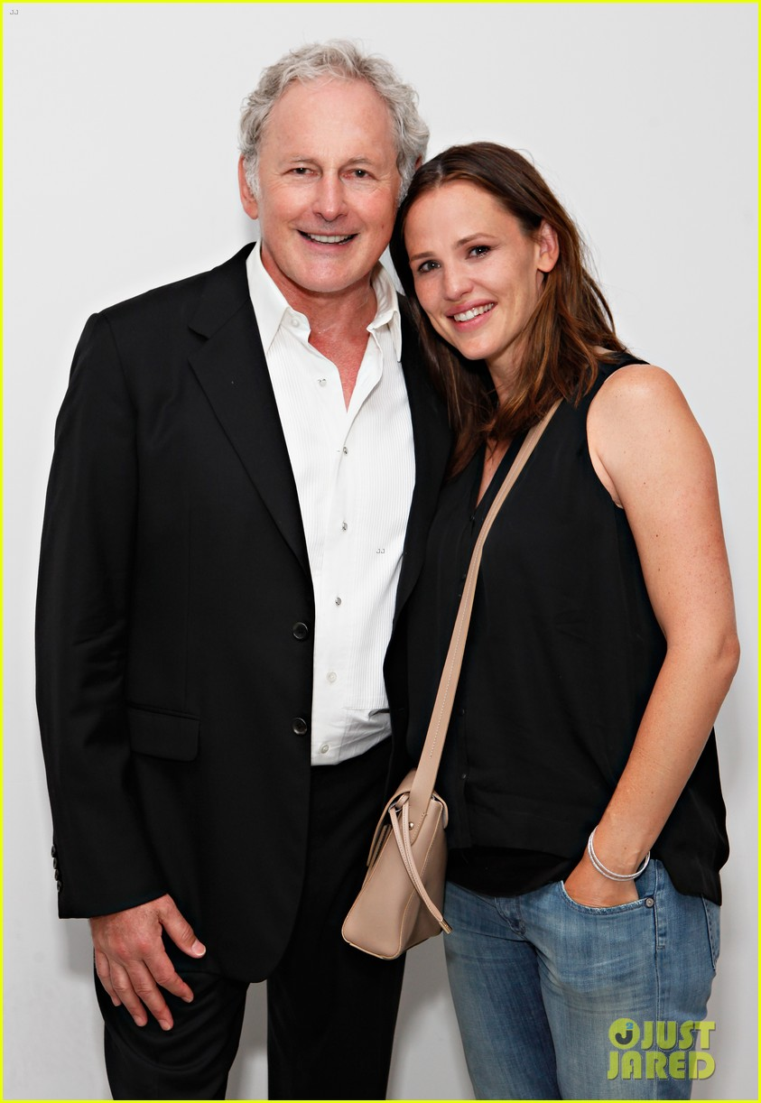 jennifer garner victor garber alias reunion in nyc 19