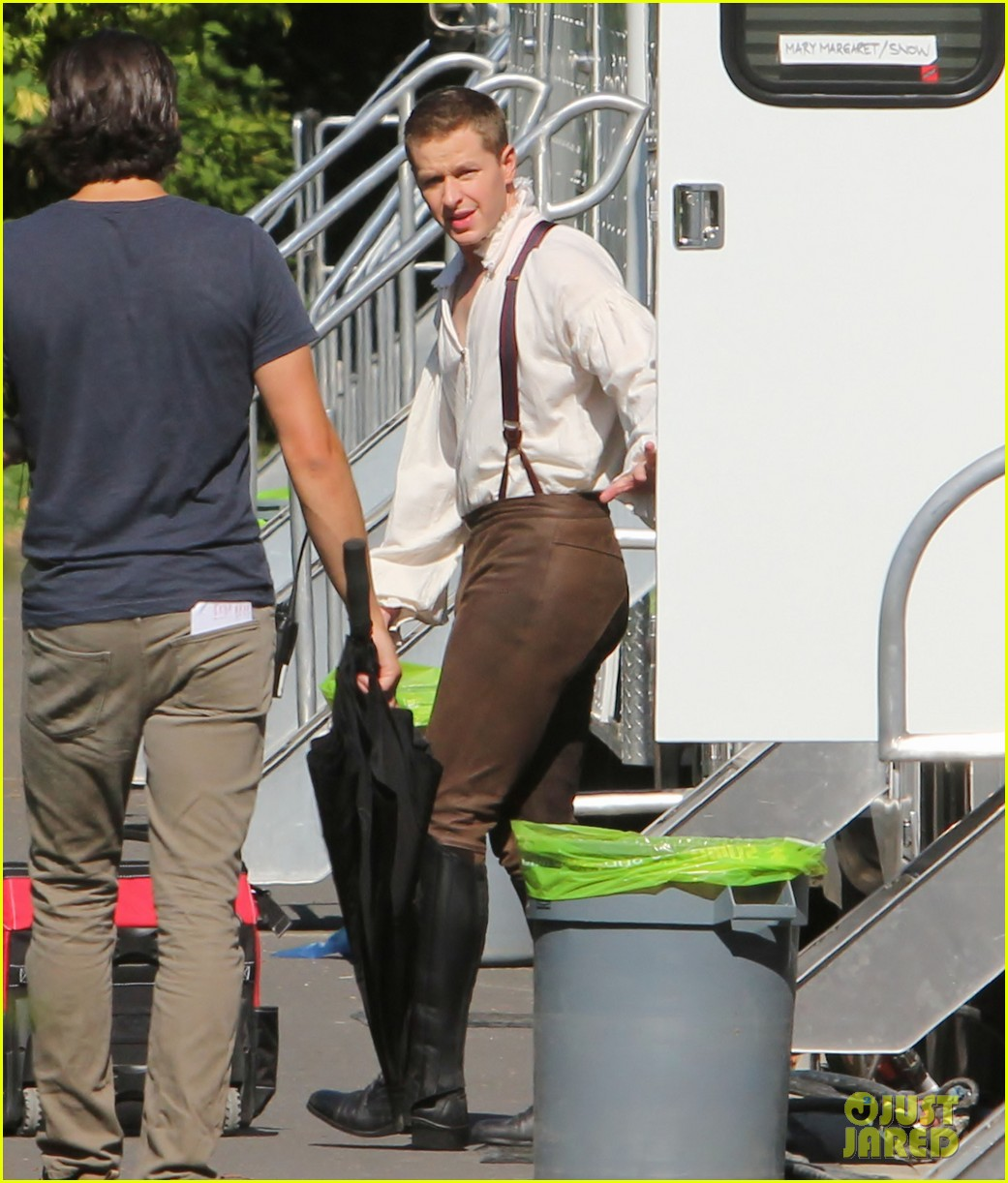 ginnifer goodwin josh dallas once costume 02