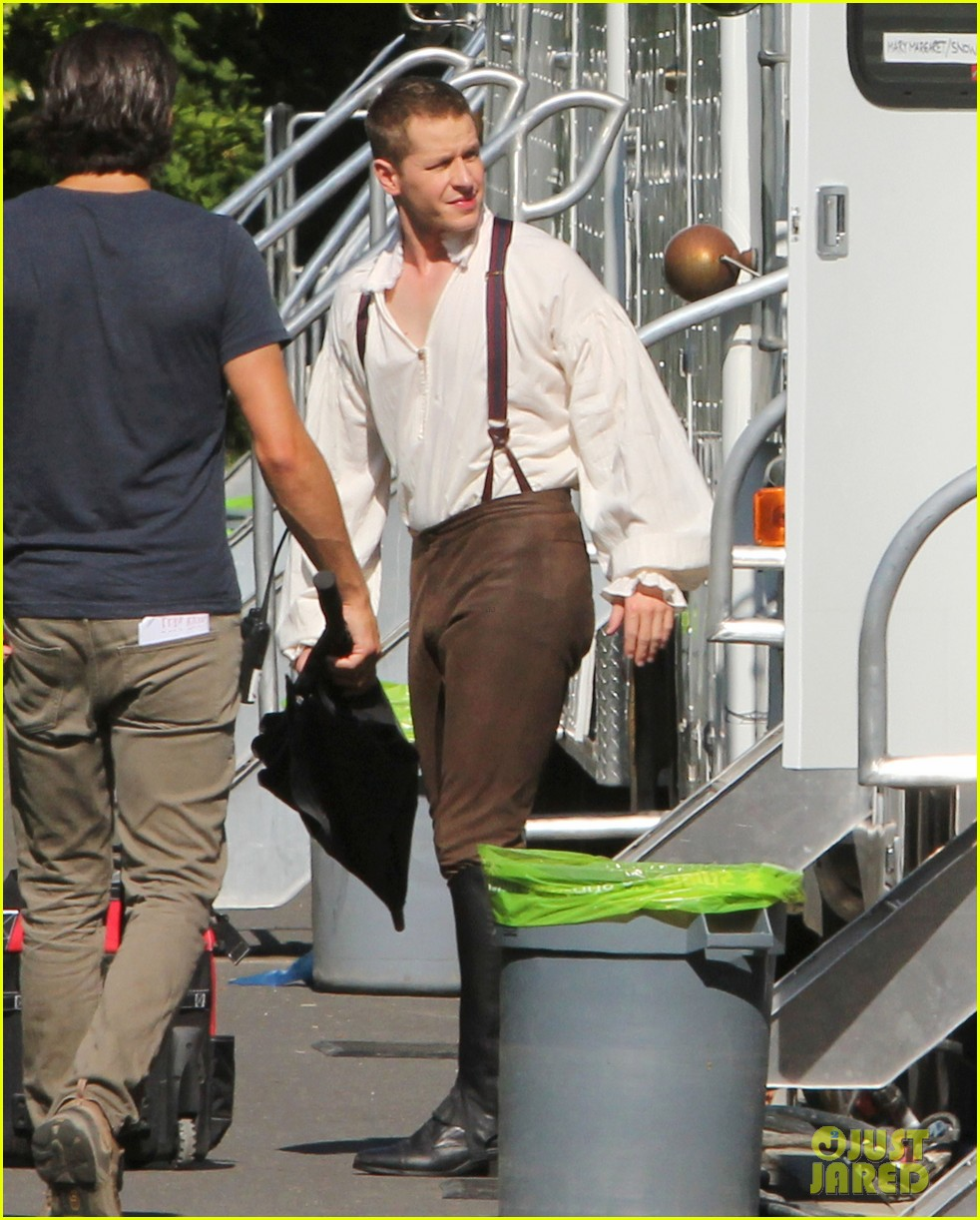 ginnifer goodwin josh dallas once costume 14