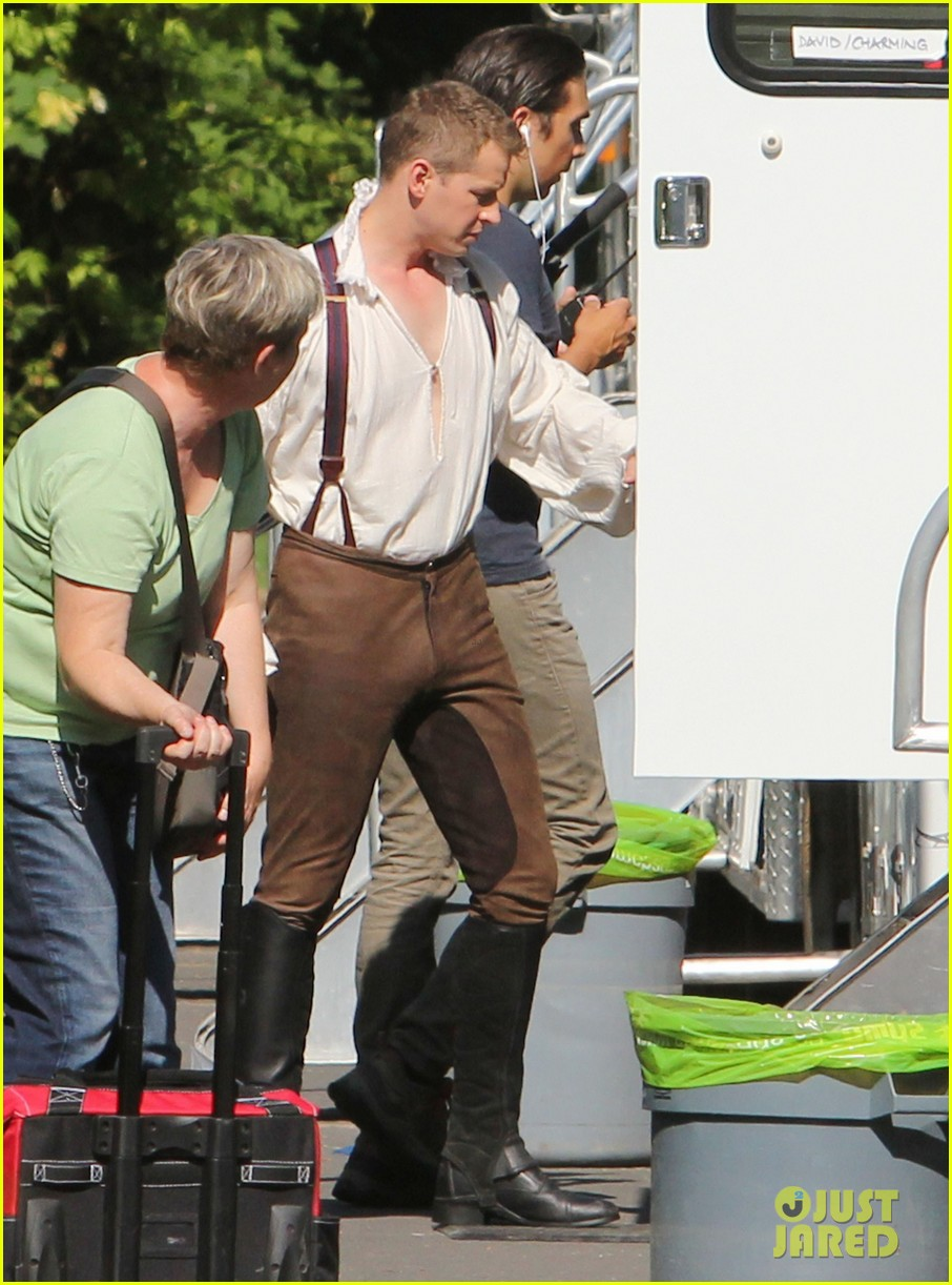ginnifer goodwin josh dallas once costume 182699870