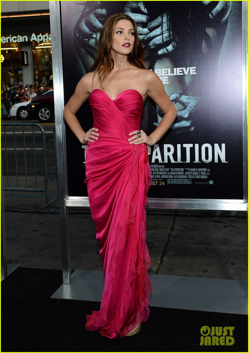ashley greene the apparition premiere 09