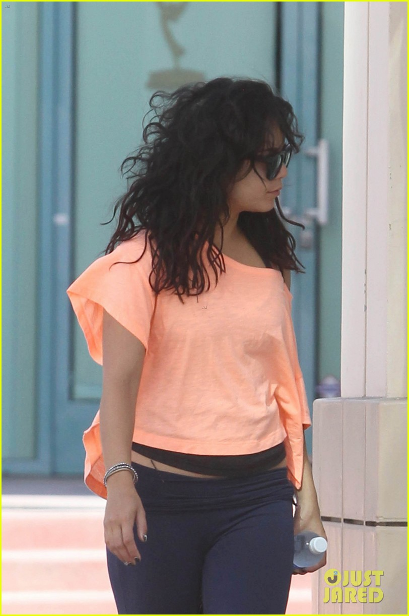 vanessa hudgens monday morning workout 04