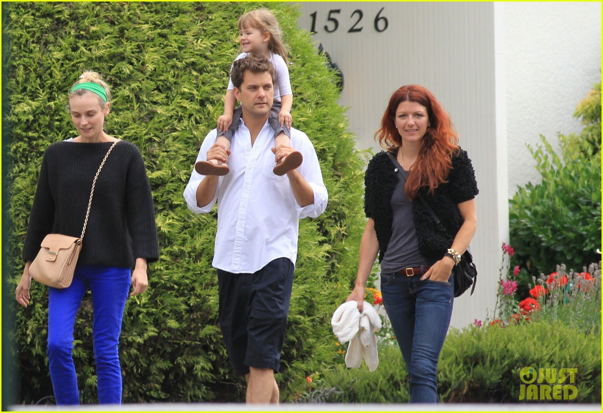 diane kruger joshua jackson sunday brunch with niece 26