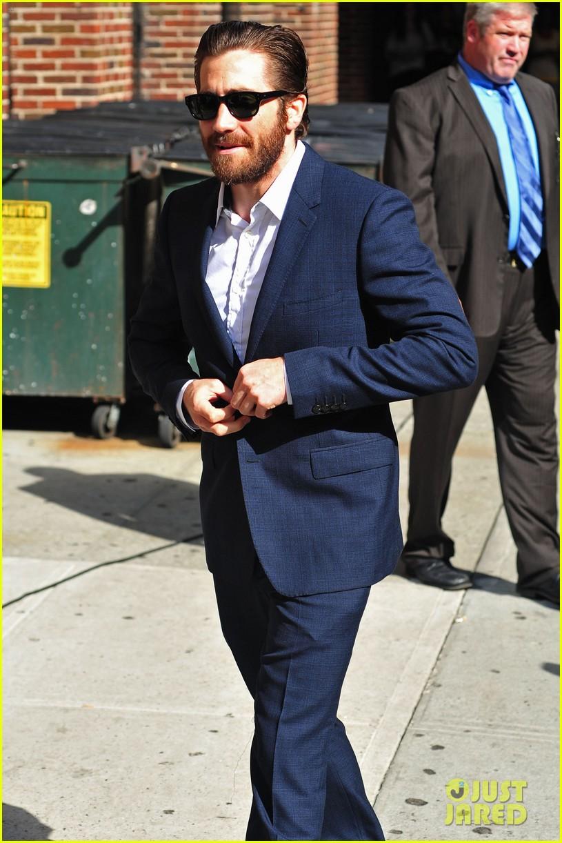 jake gyllenhaal late show appearance 04