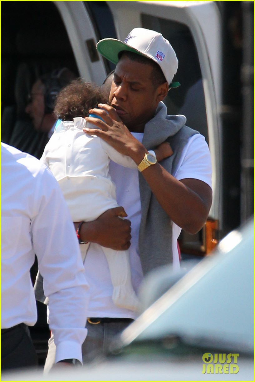 jay z blue ivy carter helicopter ride 02