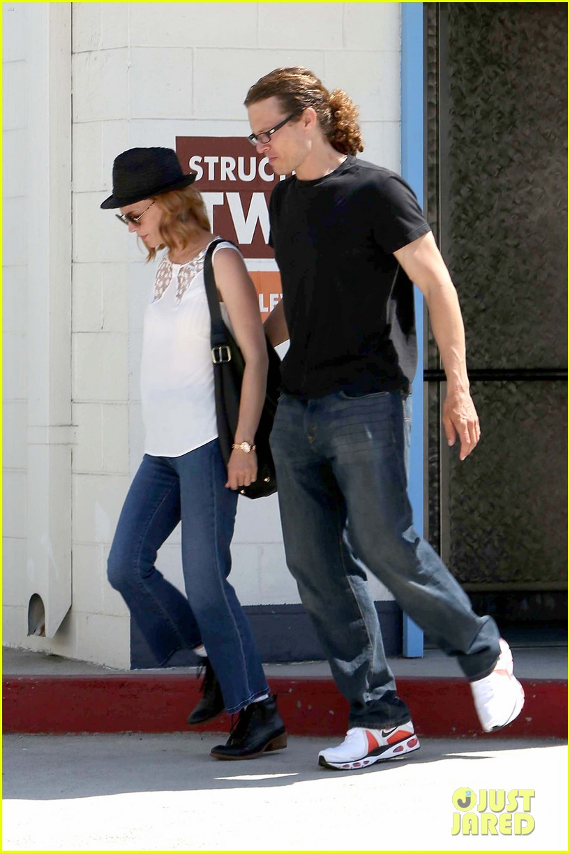 january jones holding hands mystery man 112705633