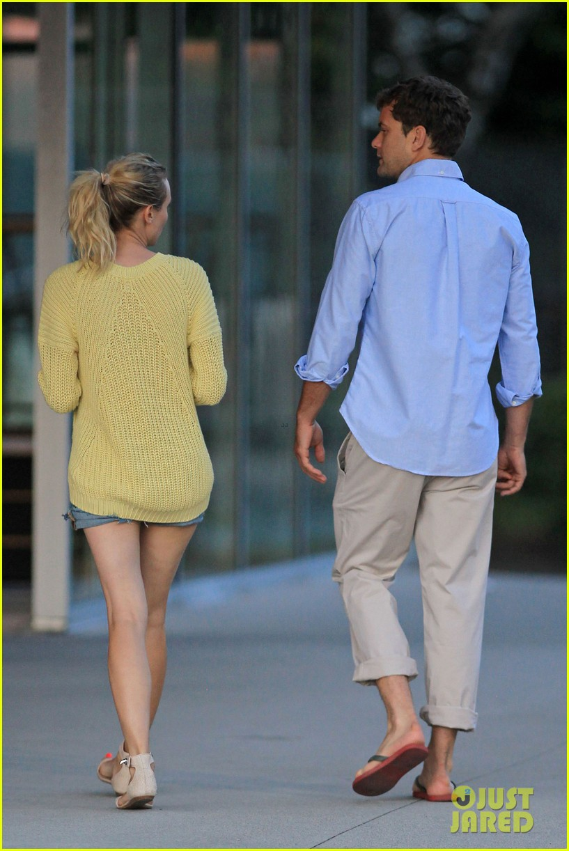 diane kruger joshua jackson sunset stroll in vancouver 26