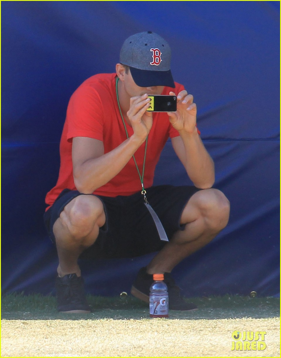ashton kutcher cowboys training camp 122700550