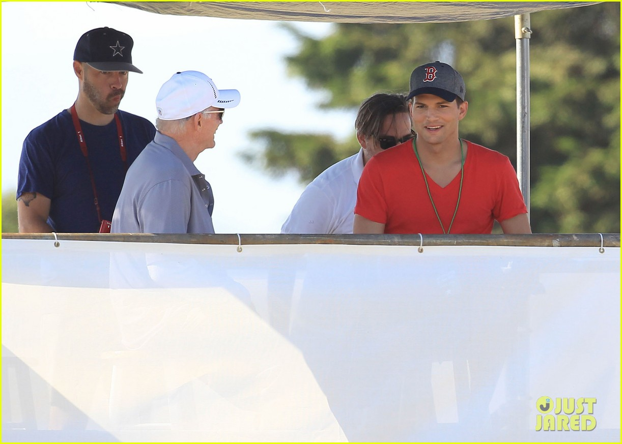 ashton kutcher cowboys training camp 14