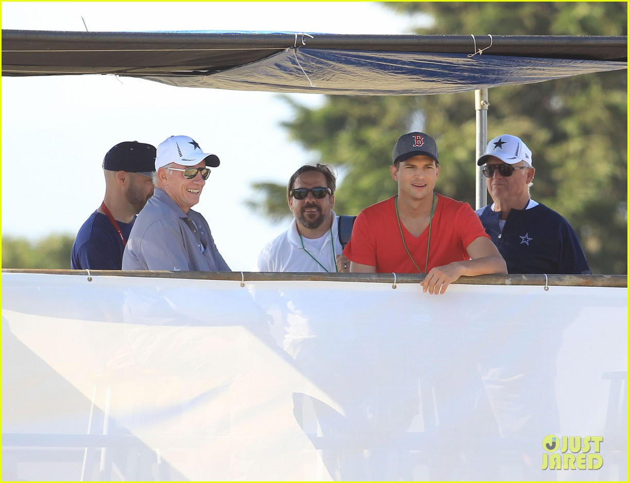 ashton kutcher cowboys training camp 16
