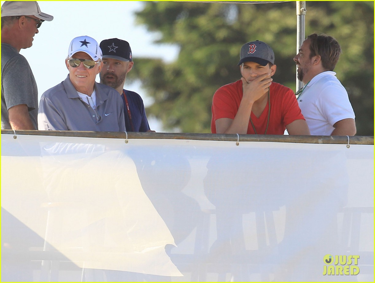 ashton kutcher cowboys training camp 24