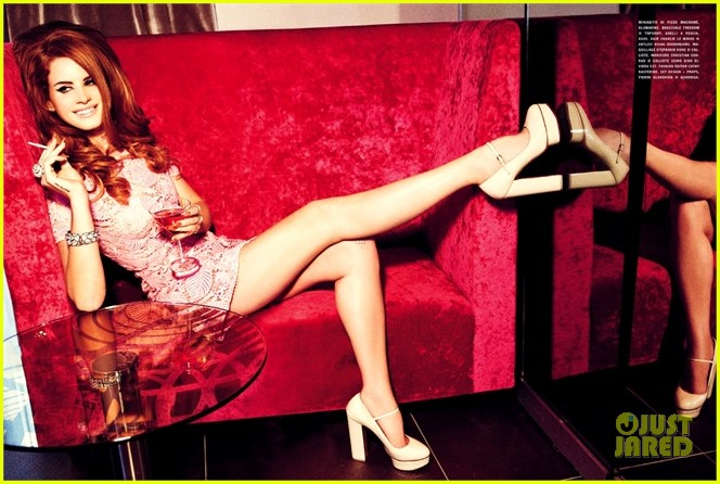 lana-del-rey-vogue-italy-fashion-spread-