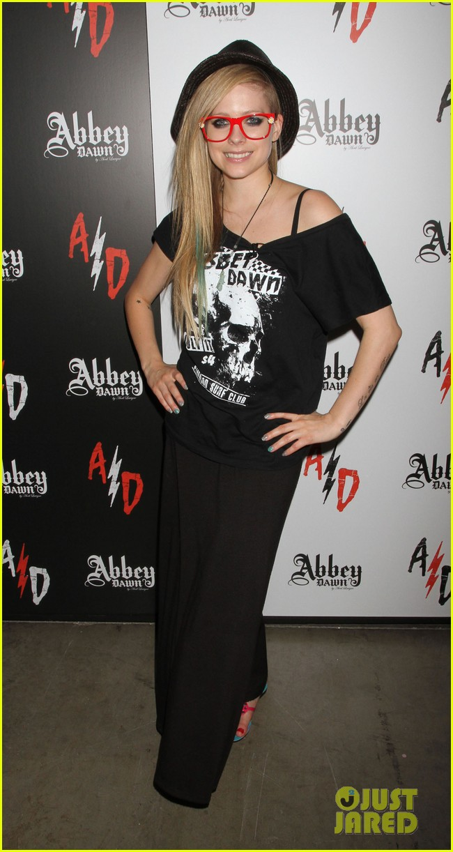 avril lavigne abbey dawn las vegas 012706663