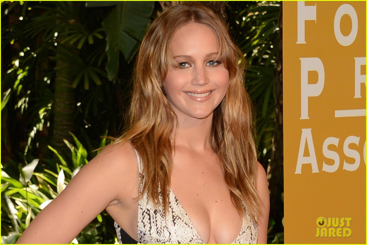 jennifer lawrence hfpa luncheon 08