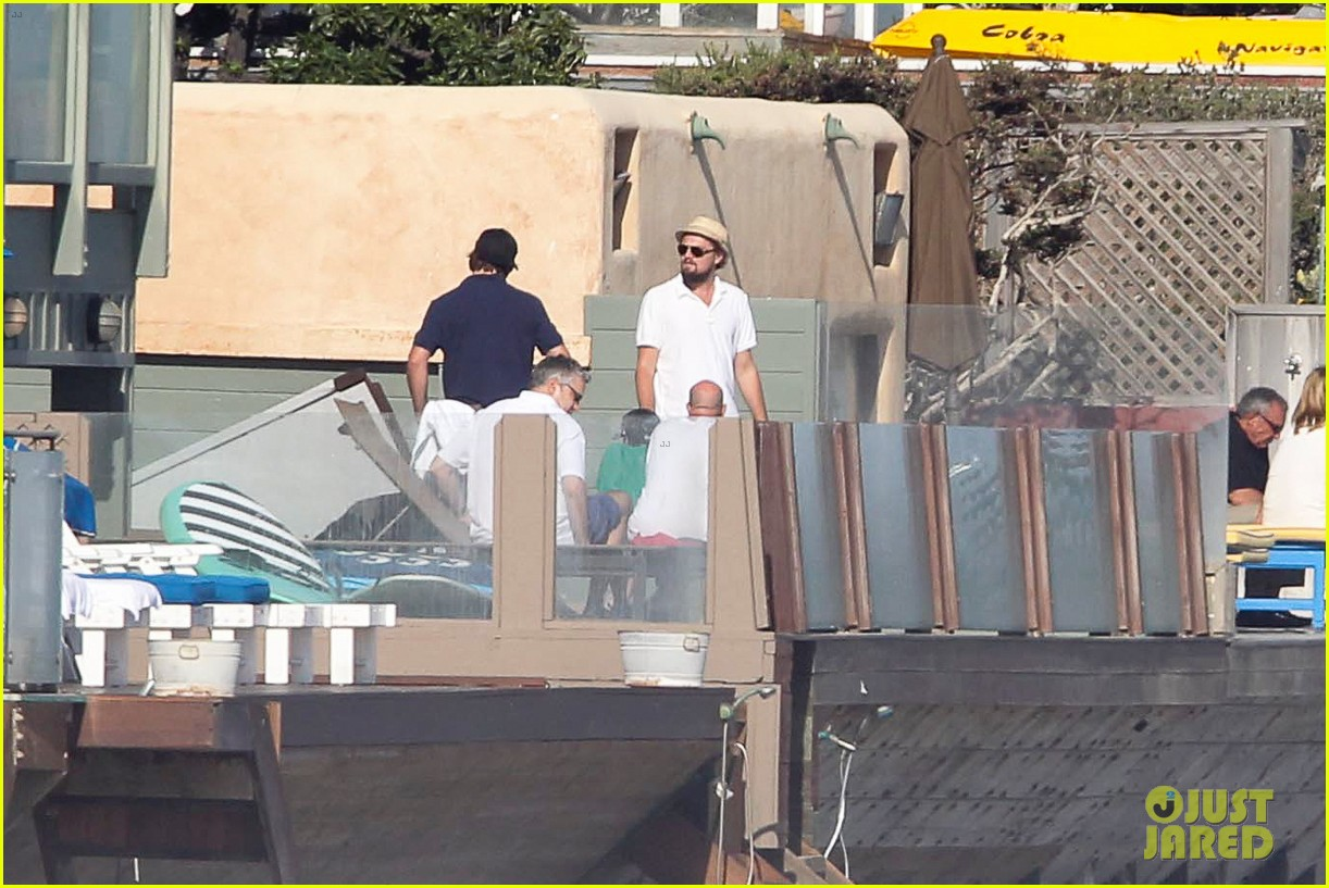leonardo dicaprio malibu beach house with pals 16