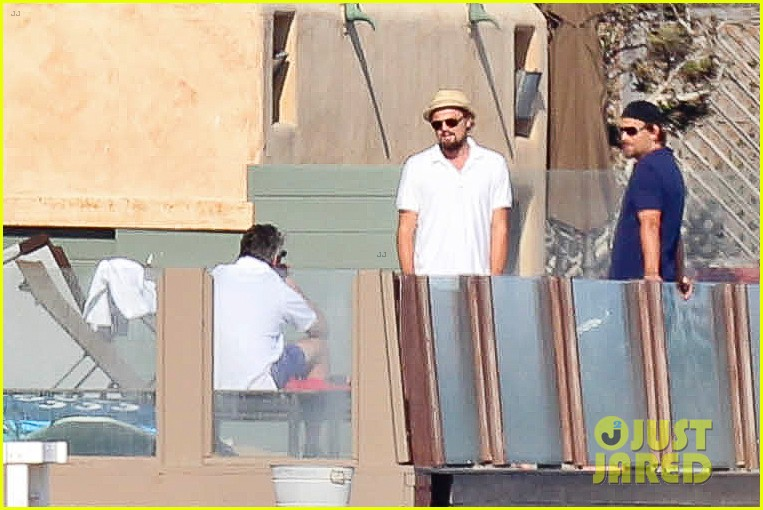 leonardo dicaprio malibu beach house with pals 19