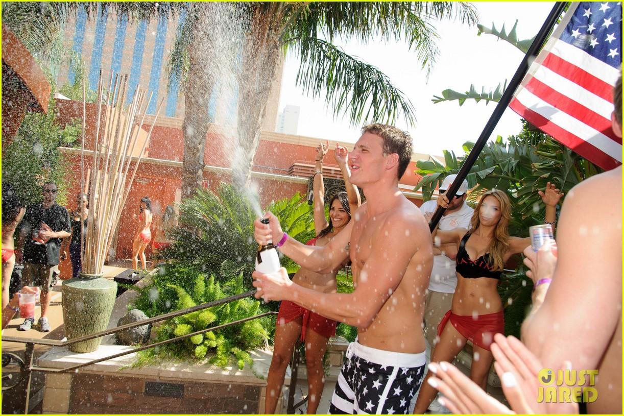ryan lochte las vegas pool party weekend 56