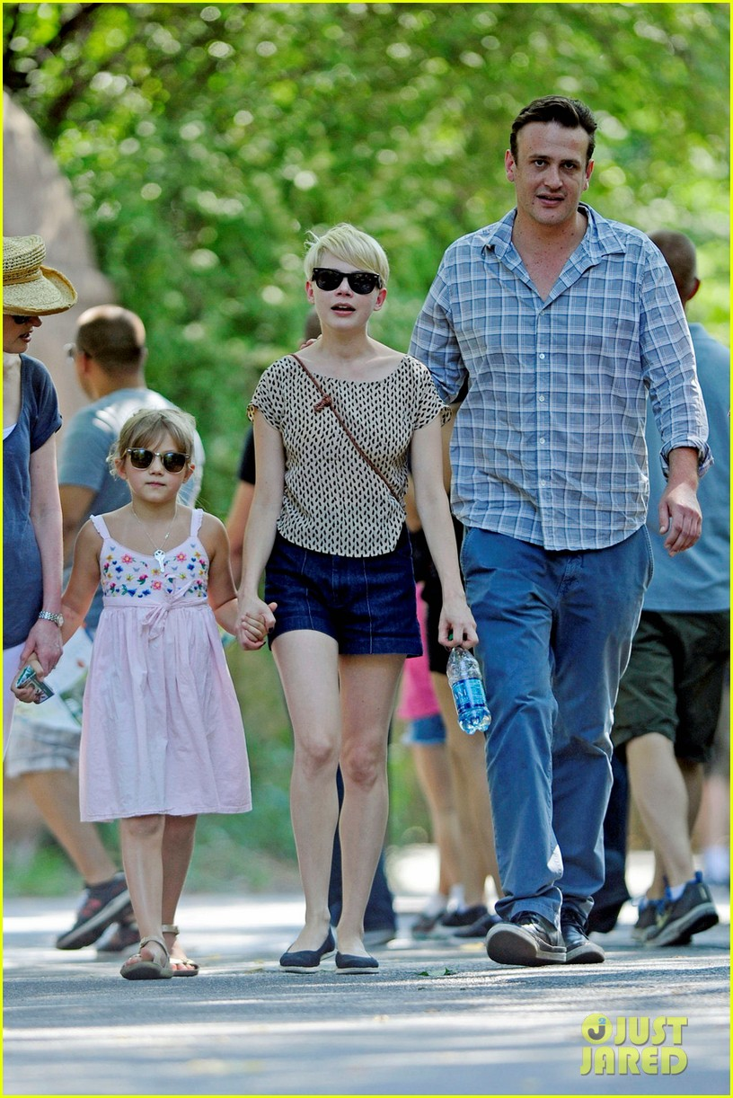 michelle williams bronx zoo jason segel matilda ledger 05