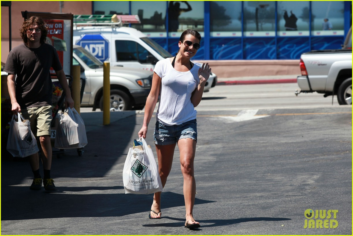 lea michele birthday grocery run with cory monteith 10