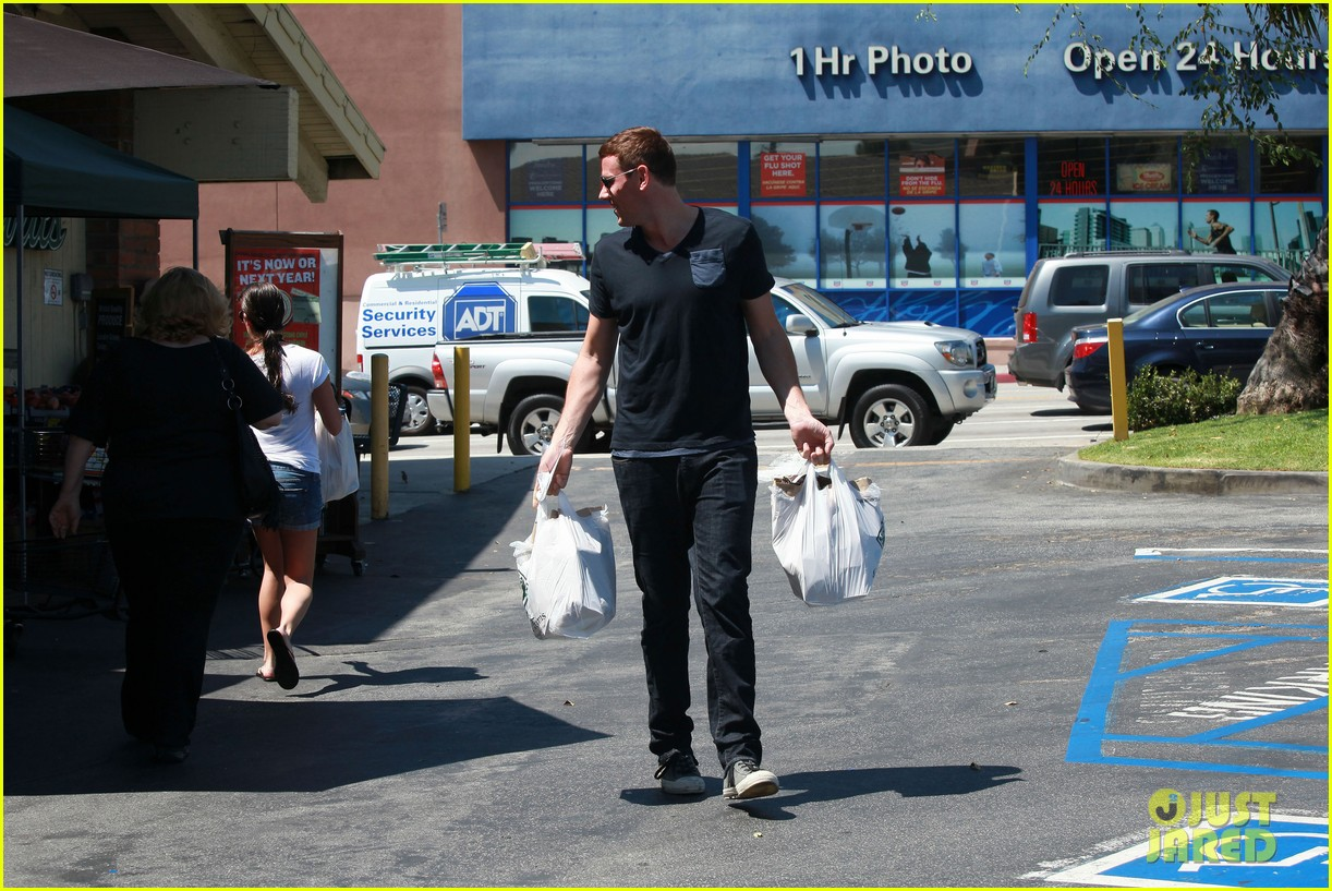 lea michele birthday grocery run with cory monteith 182710619
