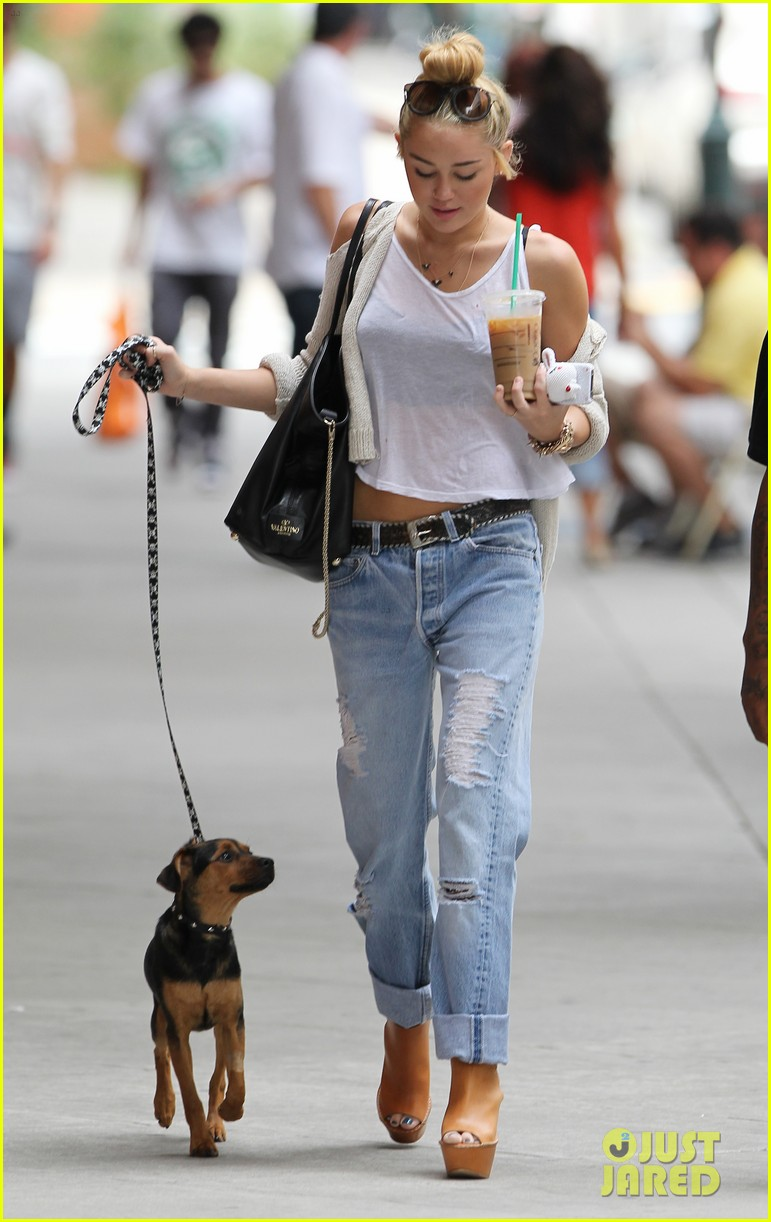 miley cyrus liam hemsworth filming in philly 12
