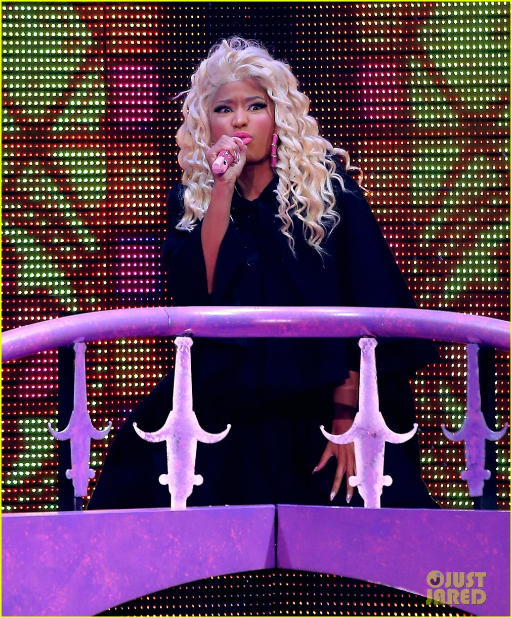 nicki minaj planet hollywood 11