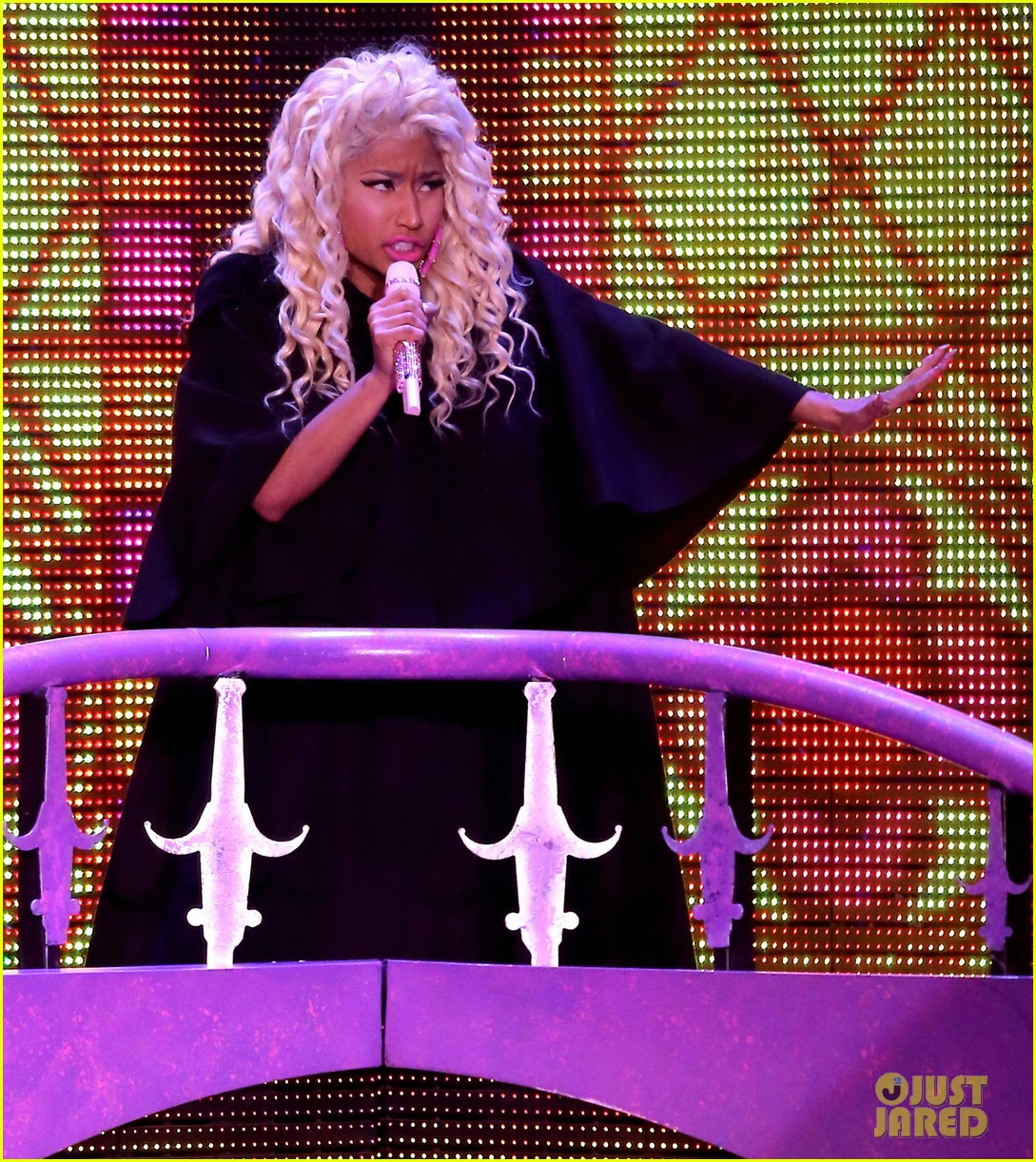 nicki minaj planet hollywood 12