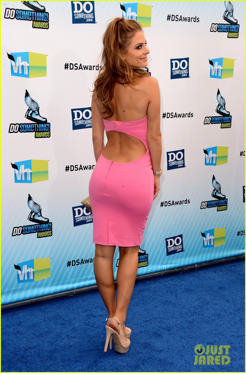 kelly osbourne maria menounos do something awards 2012 blue carpet 202705564