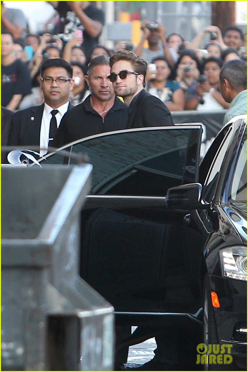 robert pattinson jimmy kimmel live appearance 252707140