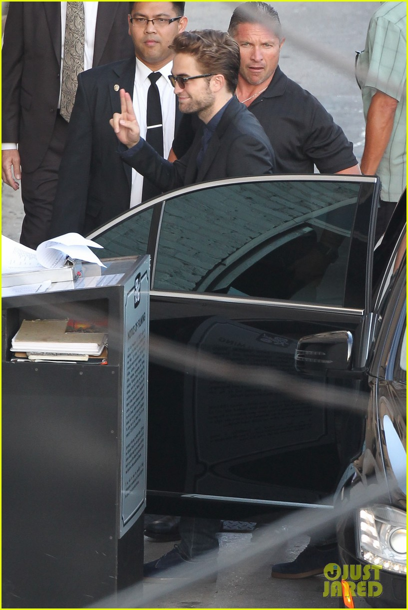 robert pattinson jimmy kimmel live appearance 412707156