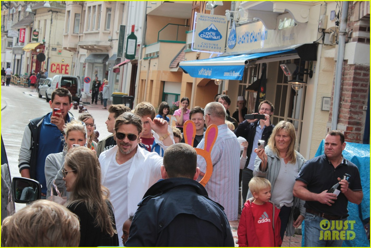 brad pitt angelina jolie le touquet with the kids 05
