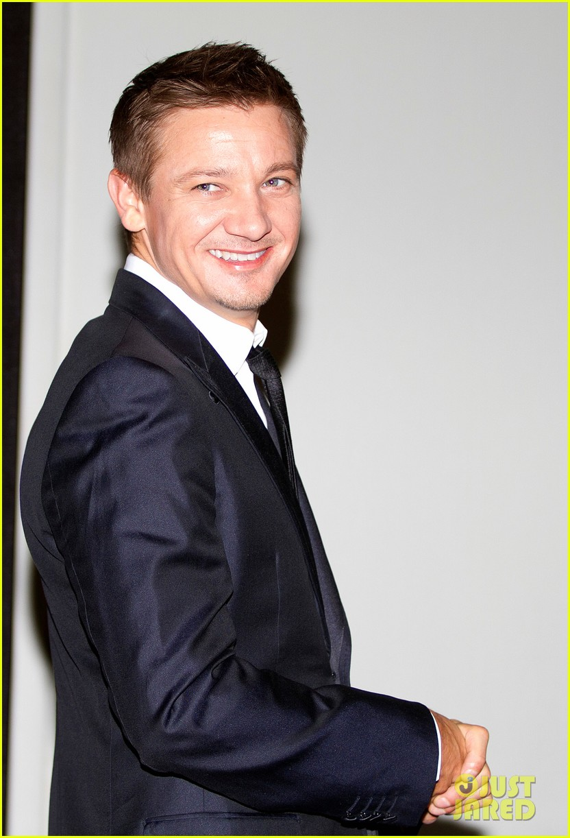 jeremy renner bourne legacy mexico city photo call 03