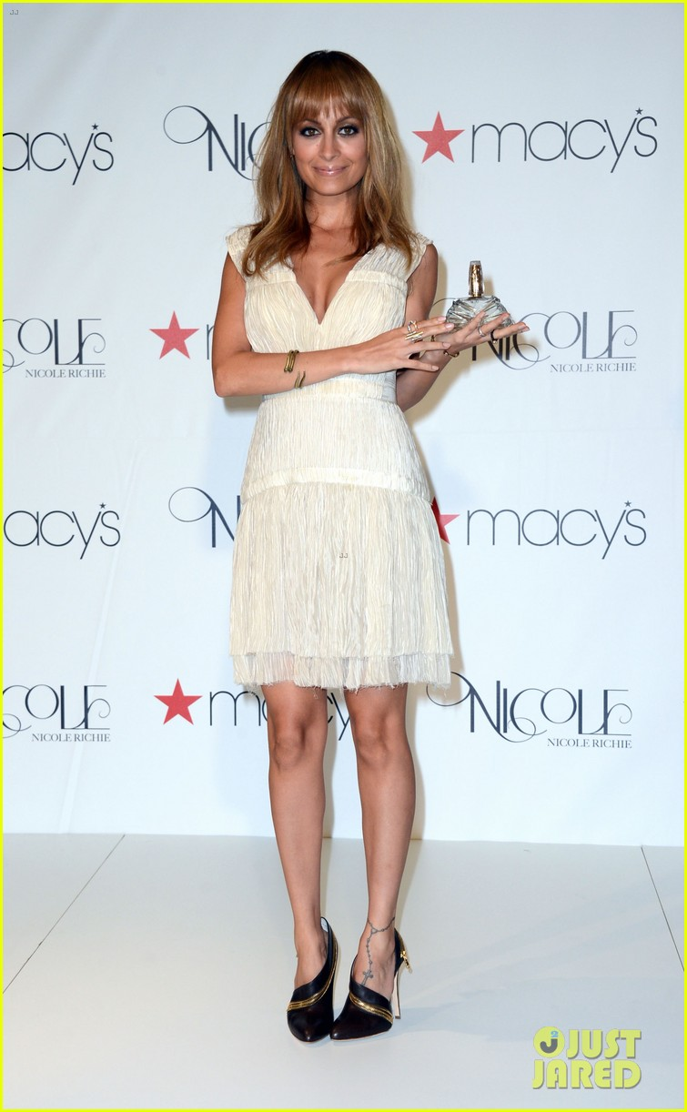 nicole richie nicole launch at macys 01
