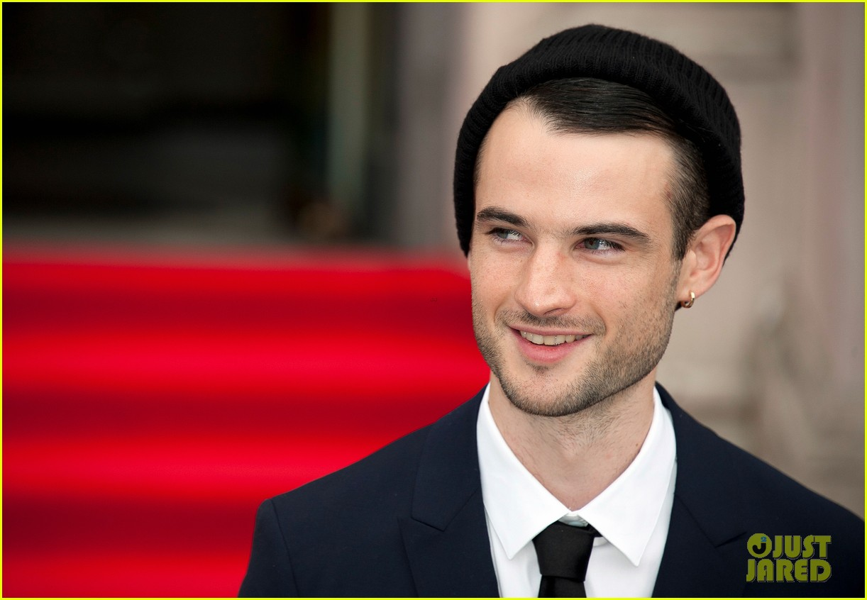 tom sturridge sam riley on the road uk premiere 142703252