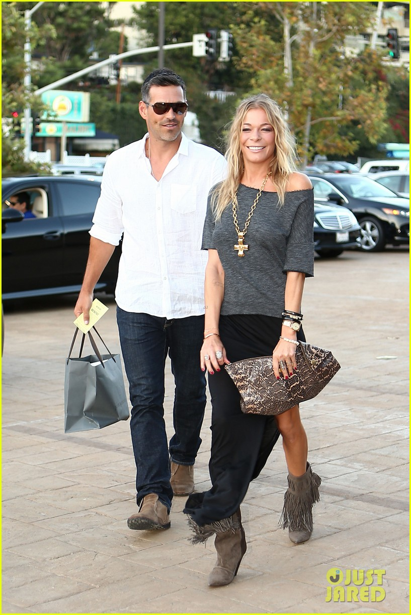 leann rimes birthday celebration with eddie cibrian 03