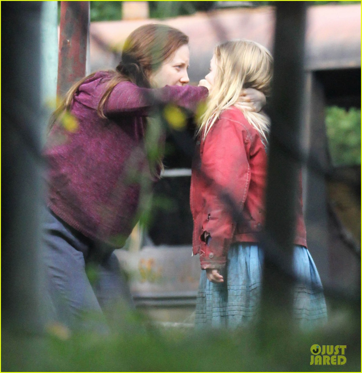 alexander skarsgard hidden set with andrea riseborough 392710495