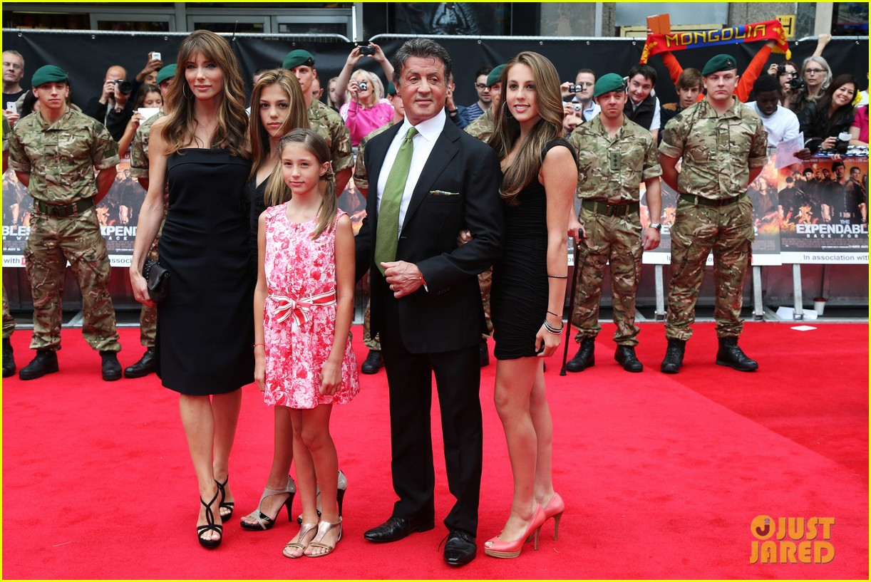 sylvester stallone brings family to expendables 2 premiere 01