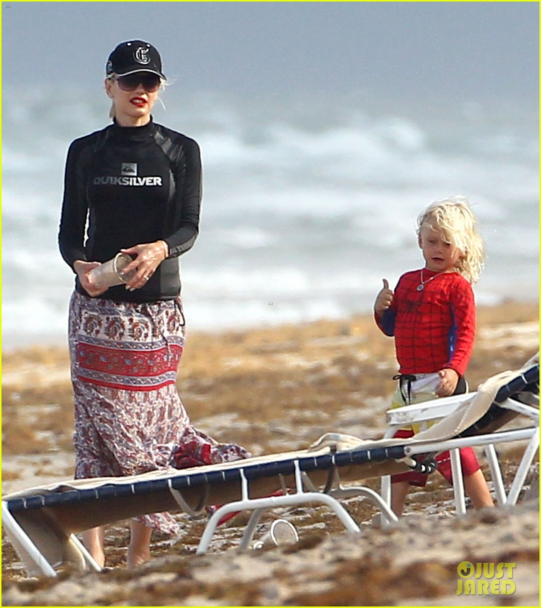 gwen stefani gavin rossdale palm beach kisses 032698062