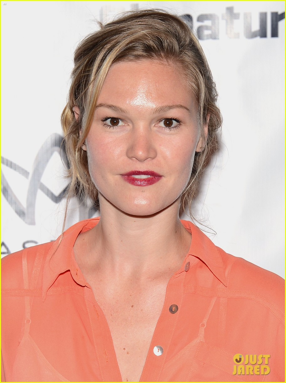 julia stiles heartless opening night party 02