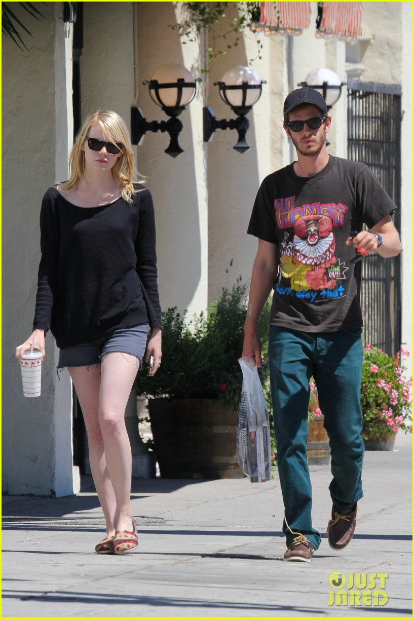 emma stone andrew garfield burgers and books 01
